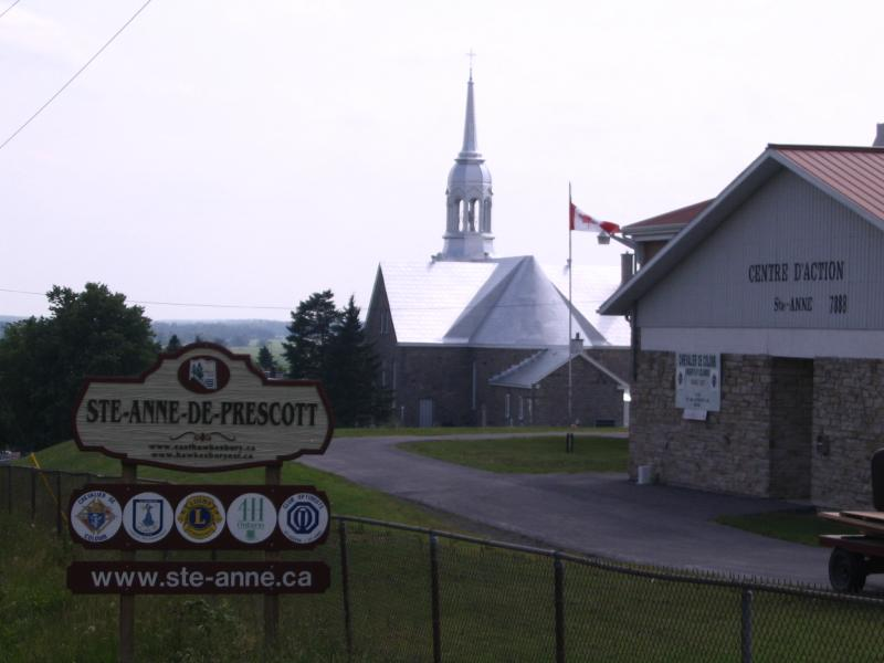 Ste-Anne de Prescott - Village entrance